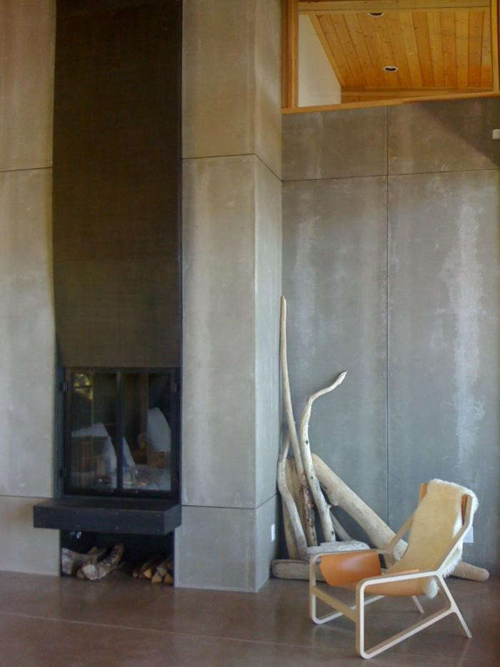 700_michelle-burgess-orcas-concrete-wall-finish-fireplace