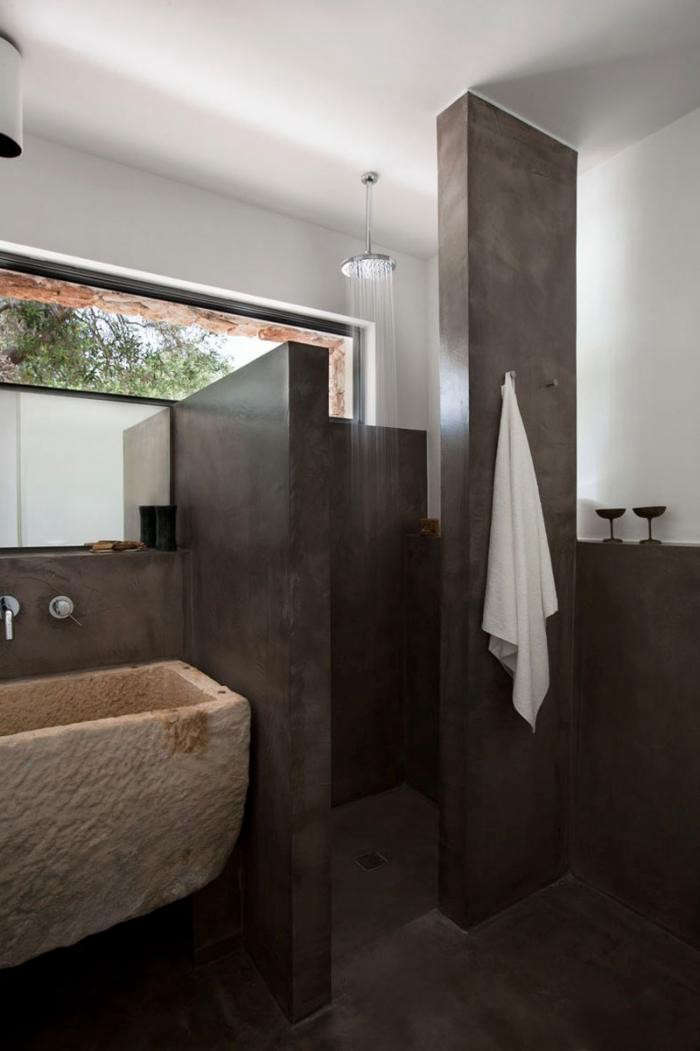 700_modern-house-in-italy-with-brown-concrete-shower