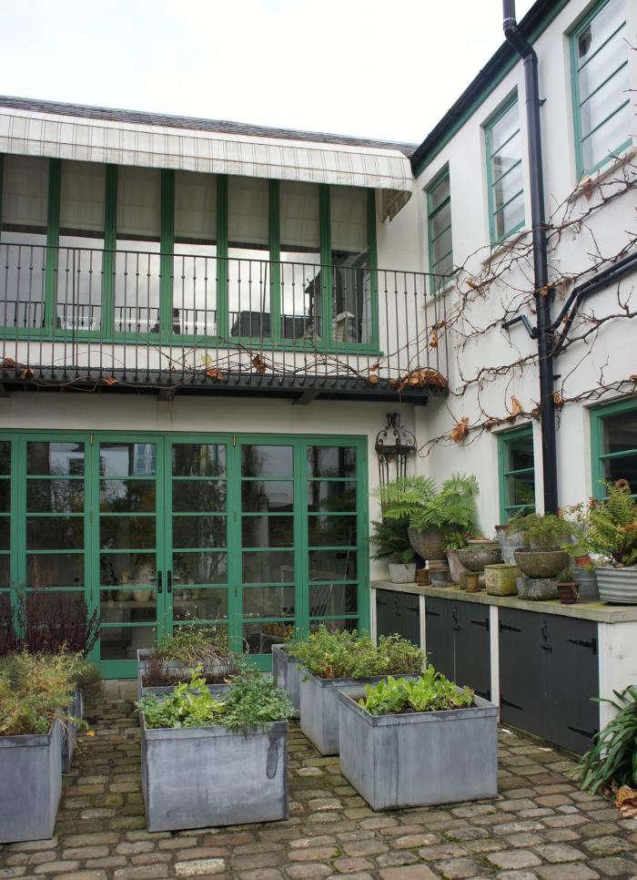 700_neisha-crosland-garden-03