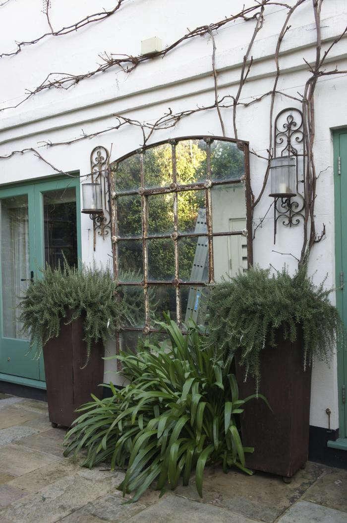 700_neisha-crosland-garden-10