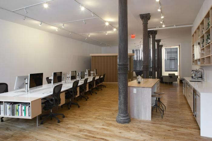 700_remodelista-magdalena-keck-80-20-ny-office-01