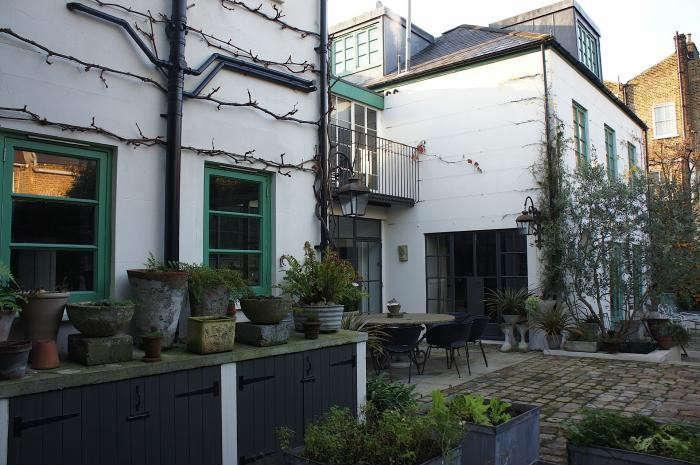 700_rmneisha-crosland-garden-04