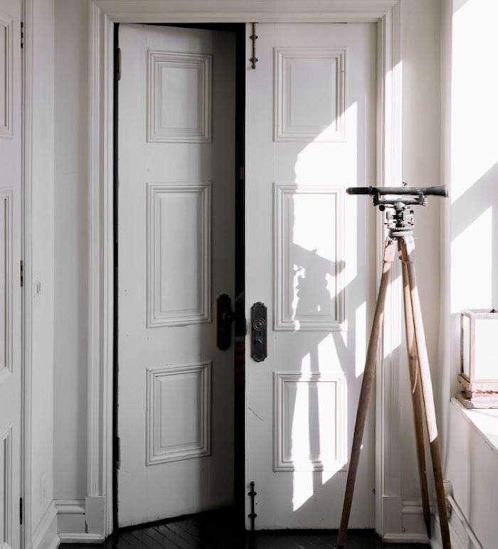 700_roman-williams-white-door-15
