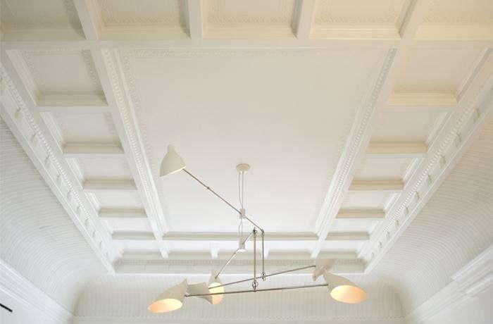 700_sargisson-david-weeks-chandelier