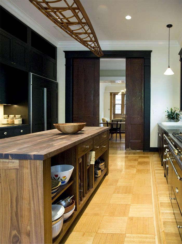 700_sargisson-robbins-kitchen-island