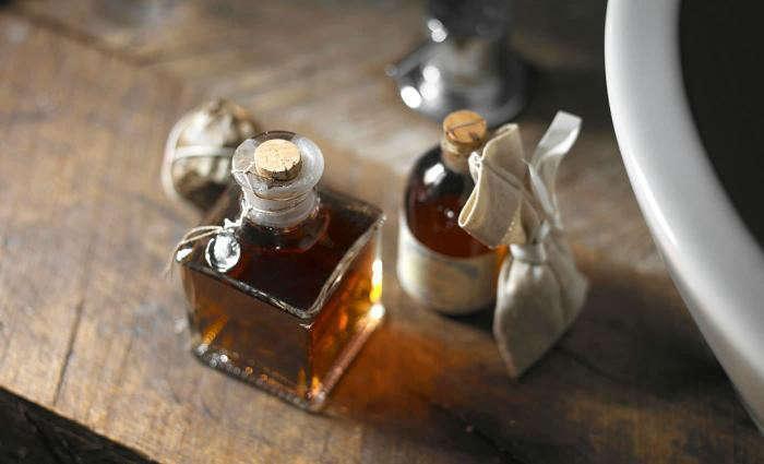 700_sextantio-hotel-in-italy-bottles-of-oil