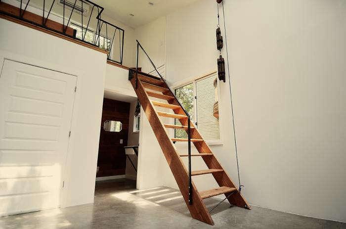 700_wood-ladder-in-photography-studio-by-kartwheel