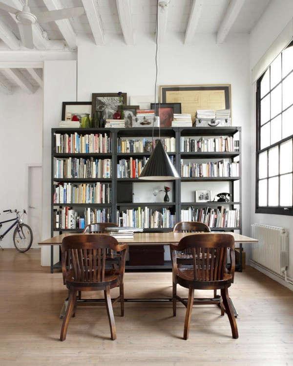 industrial-loft-in-barcelona-bookshelf