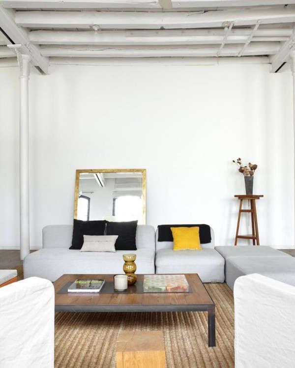industrial-loft-in-barcelona-living-room-3
