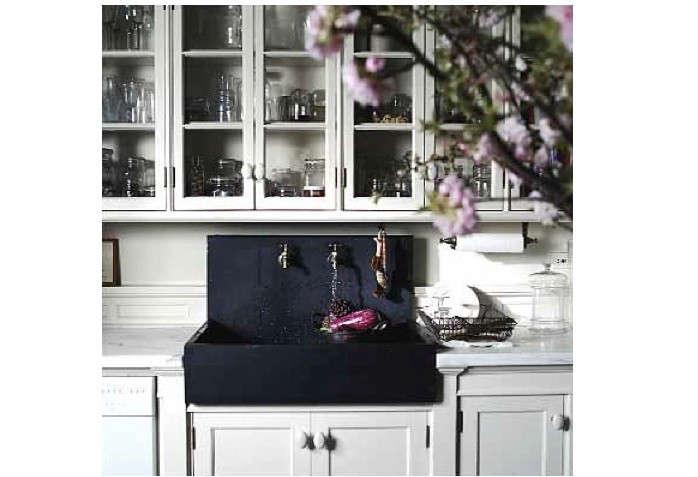 roman-williams-kitchen-cherry-blossoms