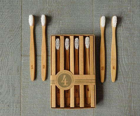 izola-numerals-brushes