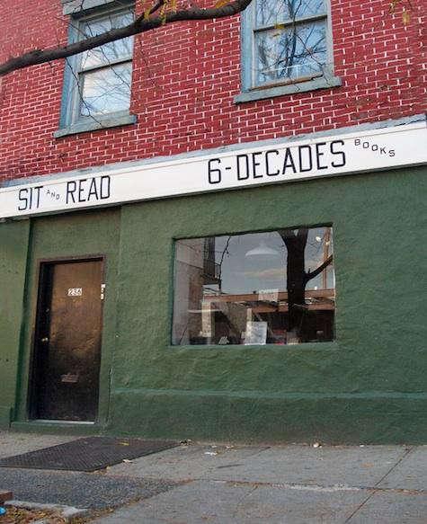 sit-read-exterior-7