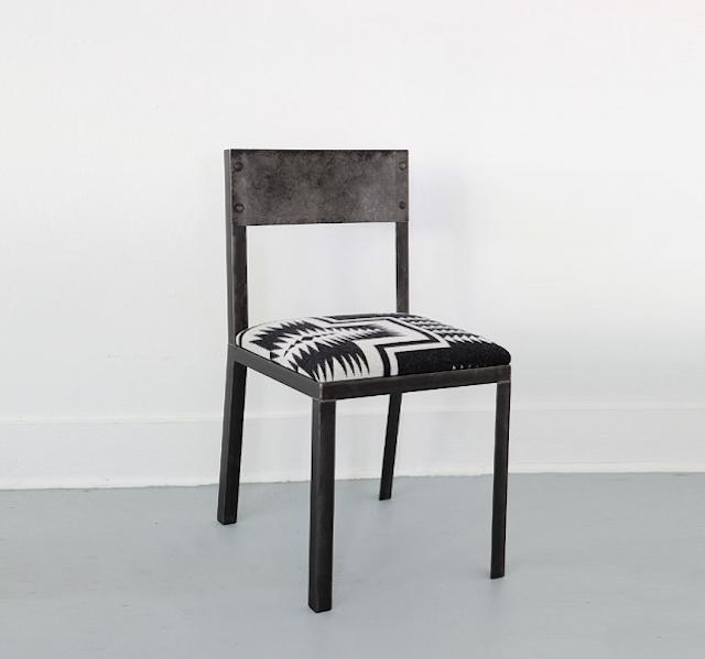 640_black-cushion