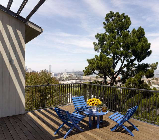 640_cary-bernstein-potrero-house-blue-chairs