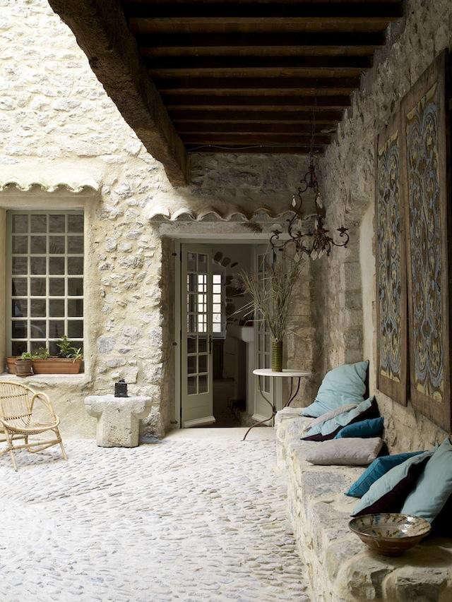640_courtyard