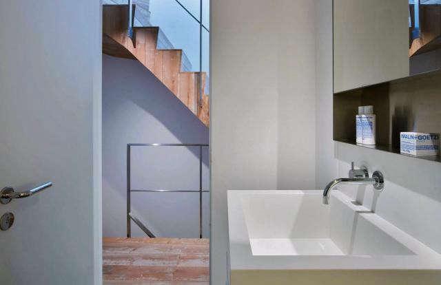 640_rm-bathroom