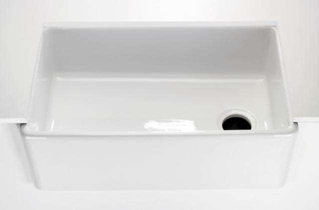 640_waterworks-universal-white-kitchen-undermount-sink