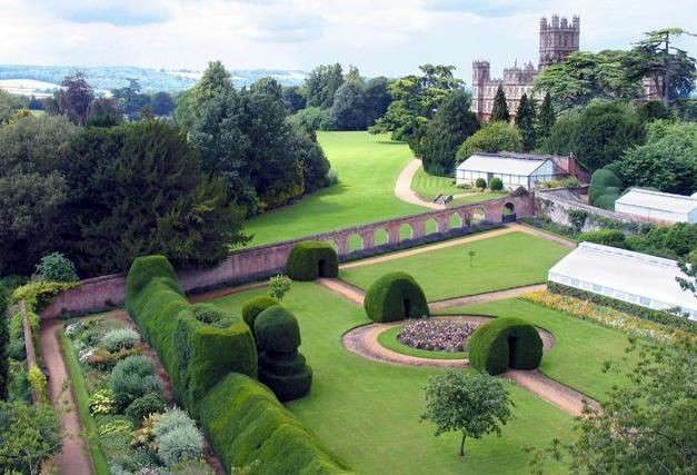 downton-abbey-heighclere-castle