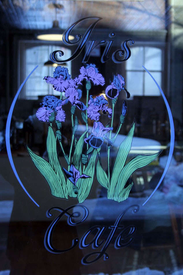 iris-cafe-sign-paint