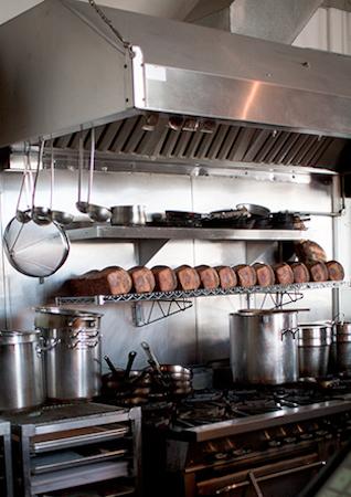 outerlands-kitchen