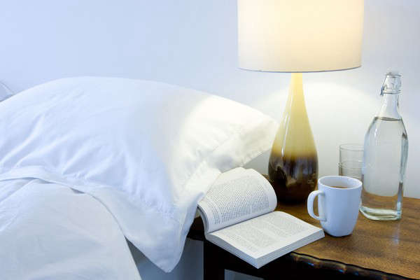 russels-lamp-bedside-photo