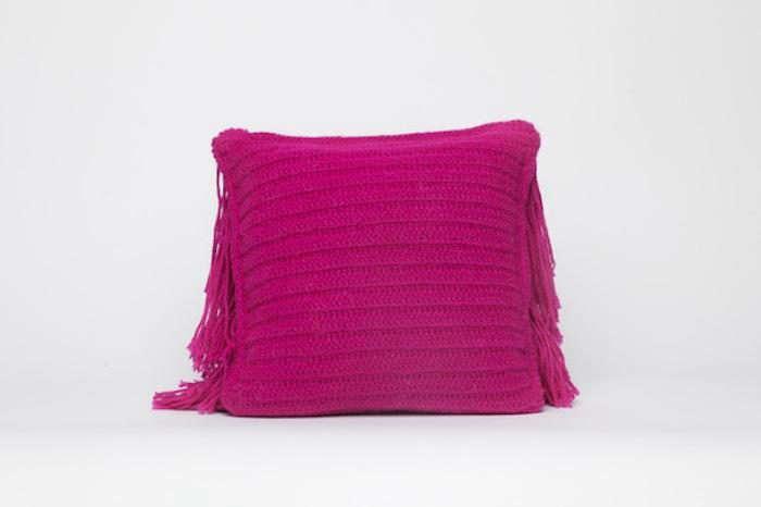 700_a-detacher-pink-pillow
