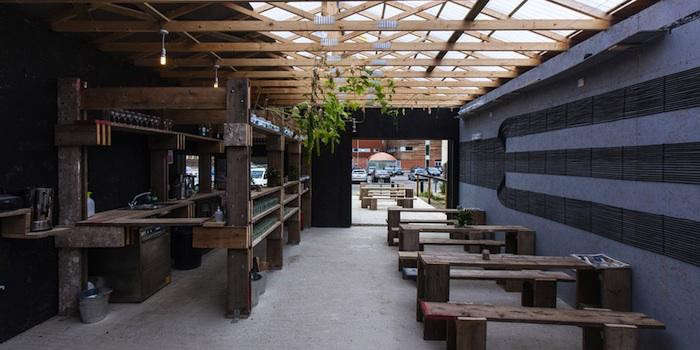 700_barking-bathhouse-outdoor-dining-patio