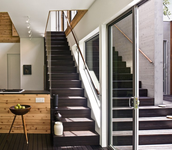 700_bates-masi-dark-wood-modern-staircase