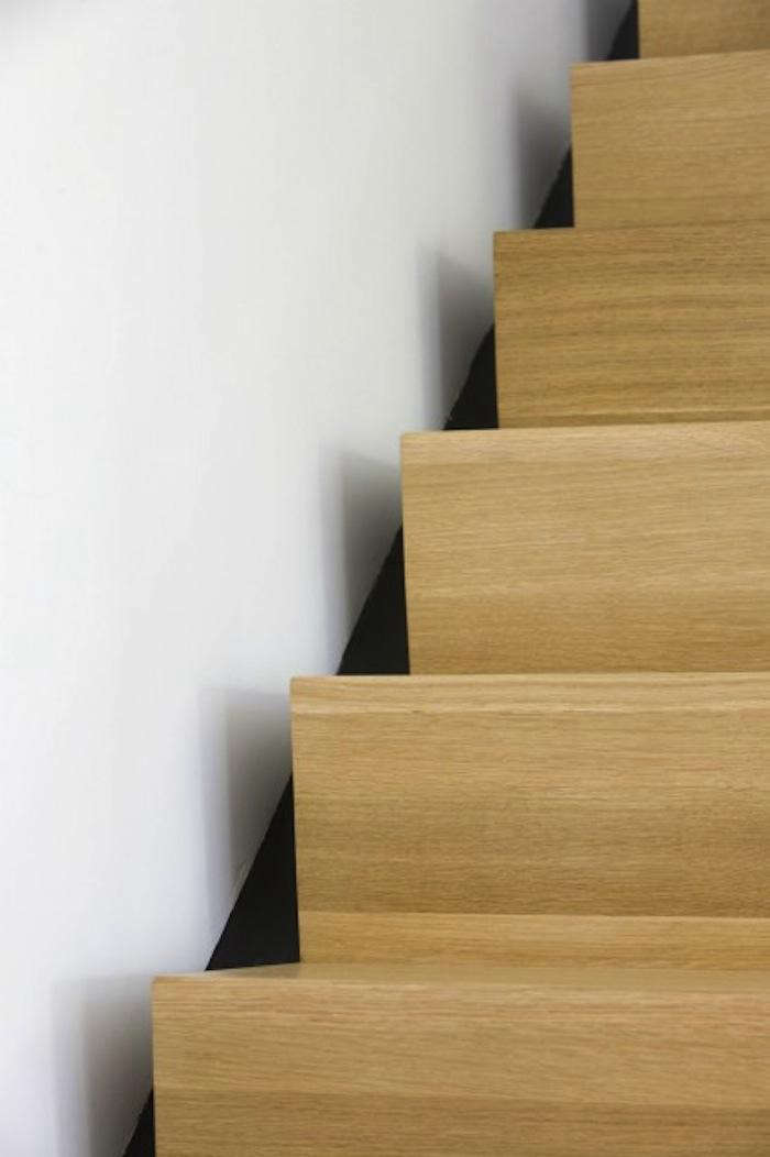 700_burr-and-mccallum-modern-light-wood-stair-with-knife-edge-finish