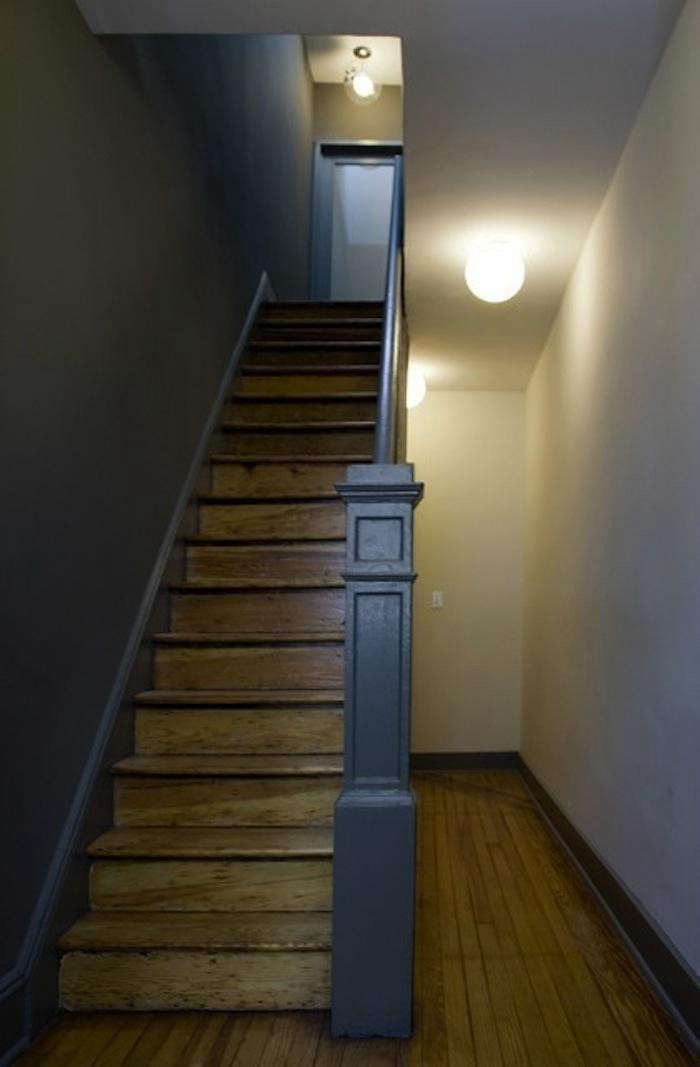 700_front-studio-worn-oak-stairs-with-dark-gray-painted-wall