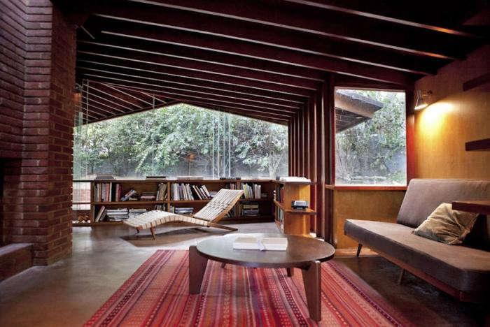 700_john-lautner-house-living-room-with-midcentury-furniture