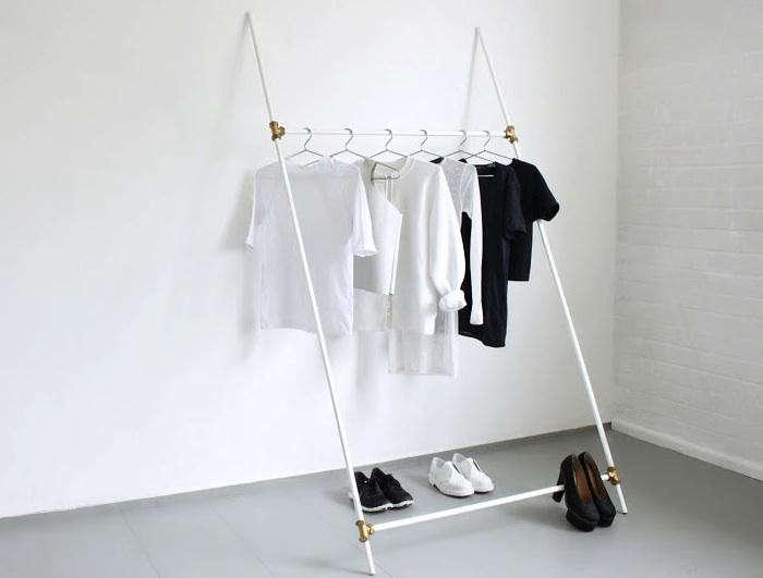 700_love-aesthetics-clothing-rack