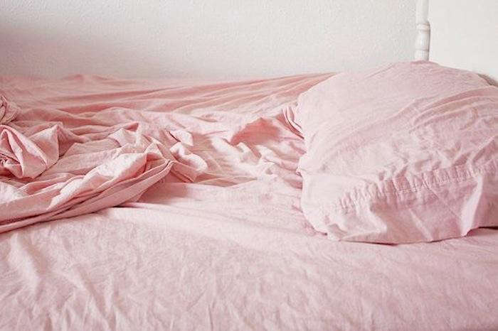 700_pink-bed-sheets-pillows