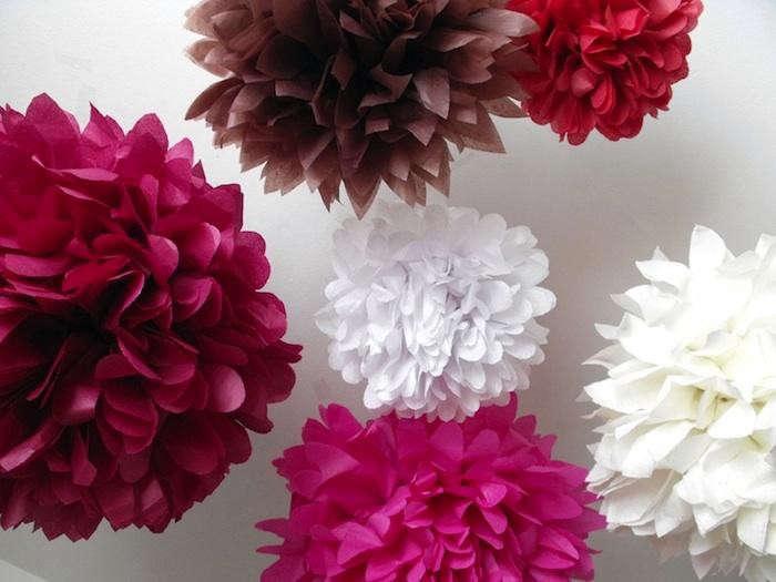 700_pink-white-brown-pom-poms