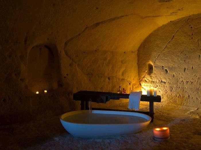 700_sextantio-matera-modern-agape-bathtub-in-cave