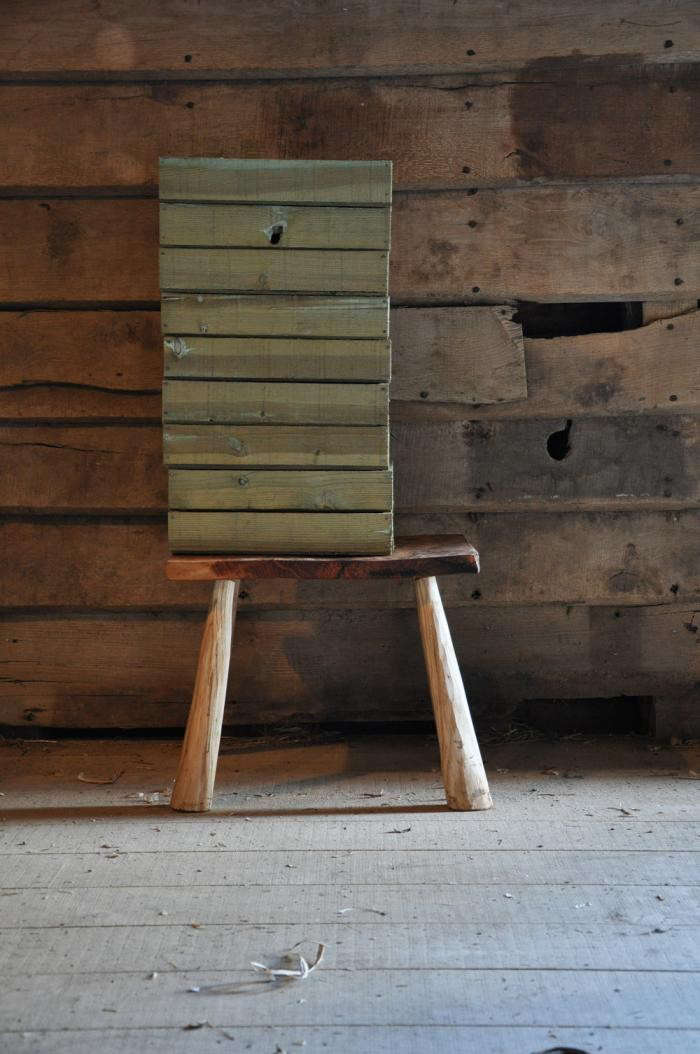 700_stool-and-seed-trays