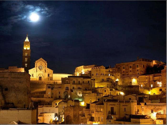 700_town-of-matera-in-italy-sextantio-hotel