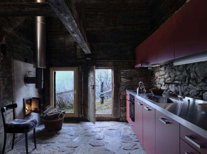 700_urlaubsarchitektur–huberhaus–kueche001–c-bruno-helbling
