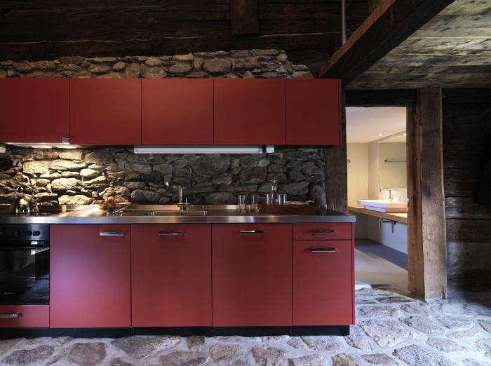 700_urlaubsarchitektur–huberhaus–kueche002–c-bruno-helbling
