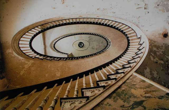 staircase-fredericks-1997