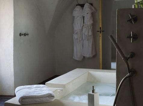 clos-du-lethe-bath