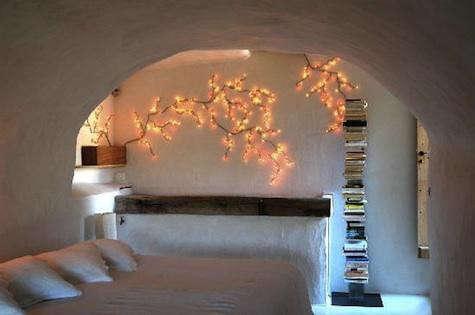clos-du-lethe-wall-light