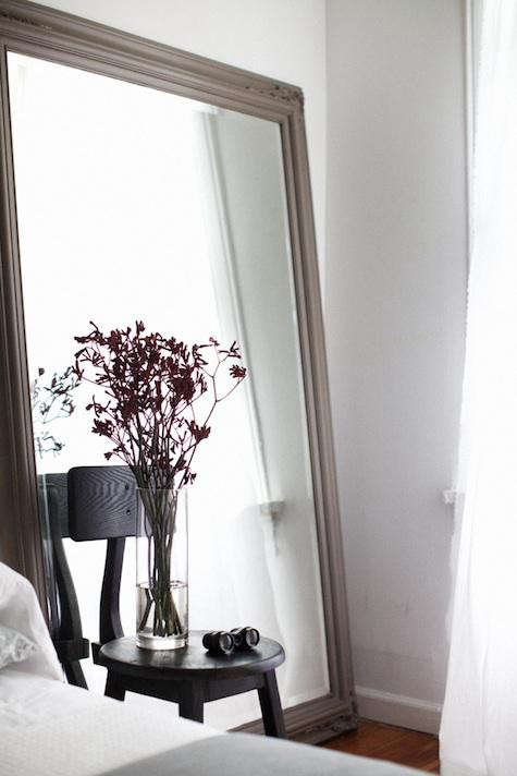 hinge-bedroom