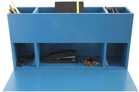 wintercheck-blue-desk-5