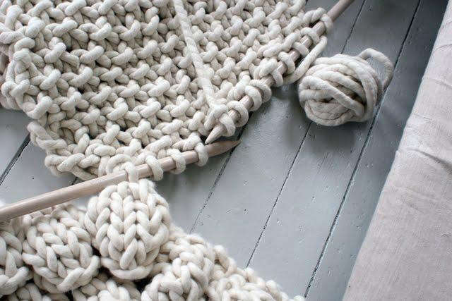 640_chrisiten-balls-yarn