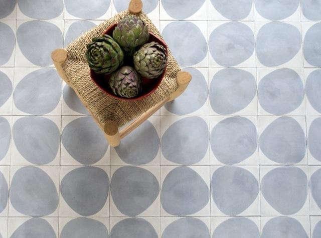 640_grey-round-dove-tiles