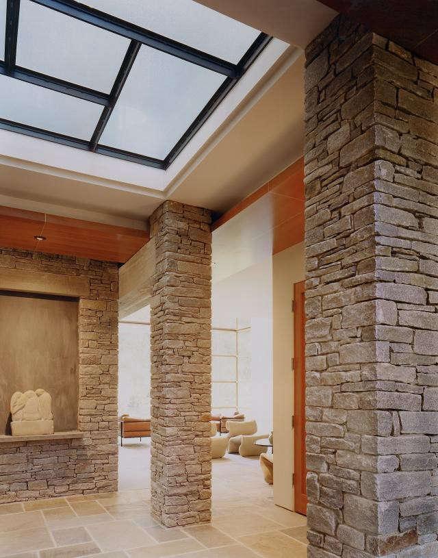 640_rm-mclean-house-center-niche