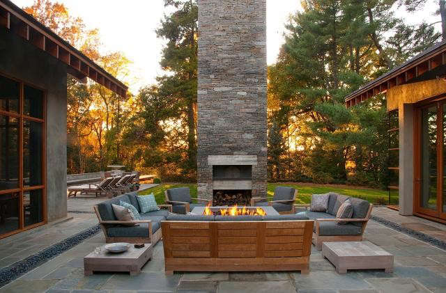 640_rm-mclean-house-firepit–pizza-oven