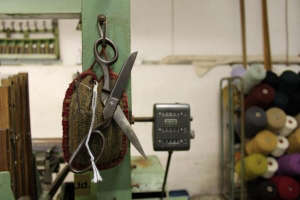 Molloy-and-Sons-Tweed-Donegal-Scissors-on-Loom