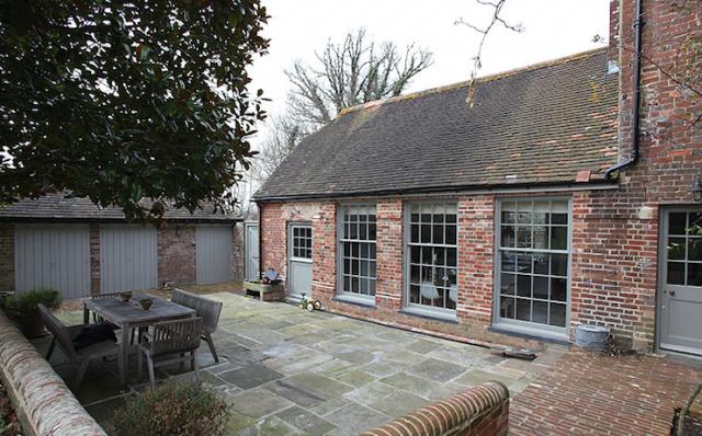 640_sussex-patio-house-bricks